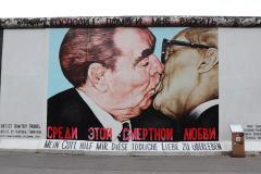 Berlin-_Kiss.jpg